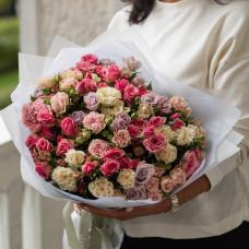 Букет из кустовой розы #29