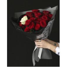 Букет из красных роз #56